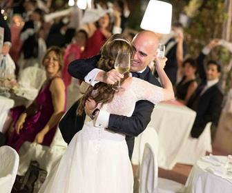 0 Matrimonio-musicale-Sofia-Gangi-abbraccio-sposi 35 35
