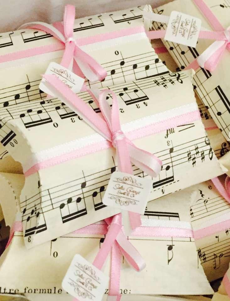 Matrimonio-musicale-Sofia-Gangi-Personalizzazione-confetti