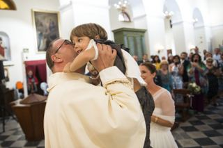 matrimonio a ustica sofia gangi eventi Bacio-min_320x213