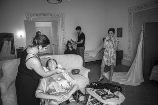 sofia gangi organizza matrimonio alla tonnara di scopello preparazione (2)_320x213-min