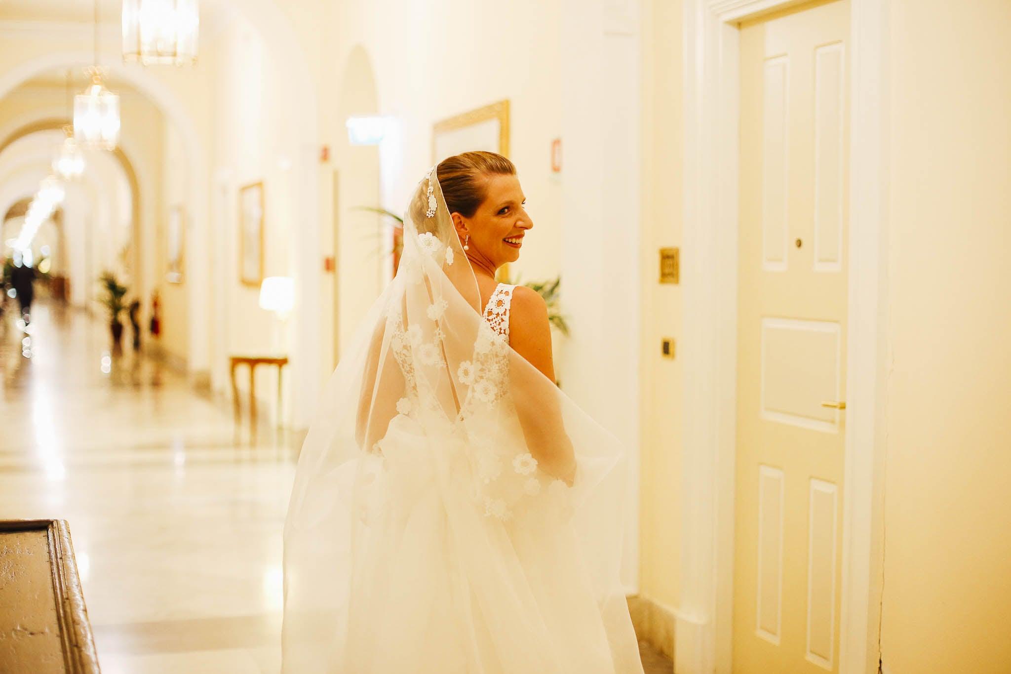 Sofia Gangi Wedding Planner Palermo Matrimonio Villa Igea preparativi Marco Lavinia (8)-min