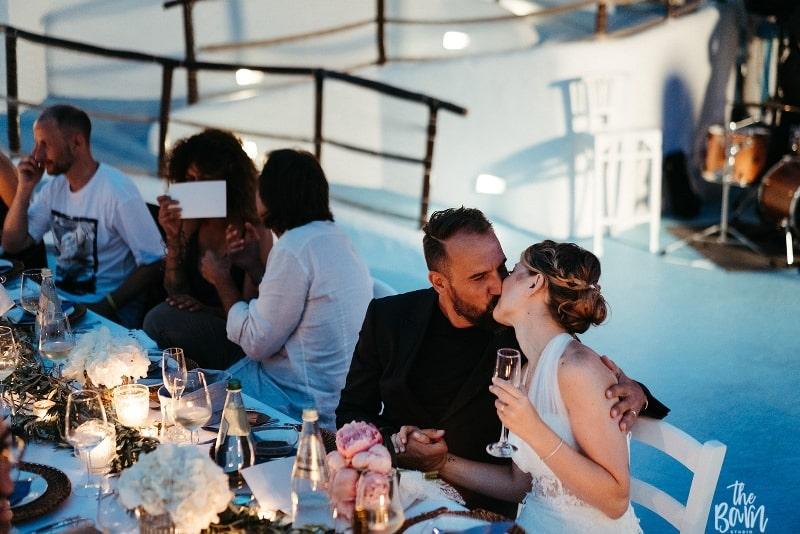 matrimonio a ustica 2019 sofia gangi wedding planner palermo ricevimento faraglione (3)_800x534-min