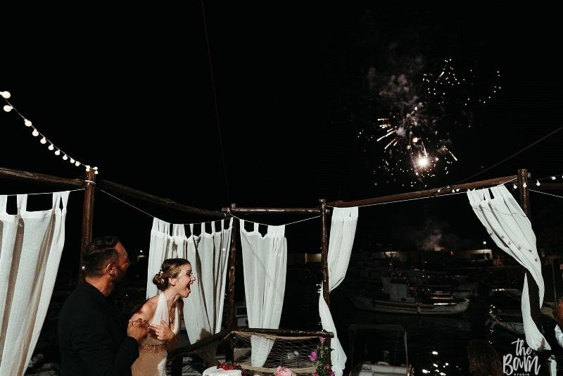 matrimonio a ustica 2019 sofia gangi wedding planner palermo ricevimento faraglione (6)_800x534-min